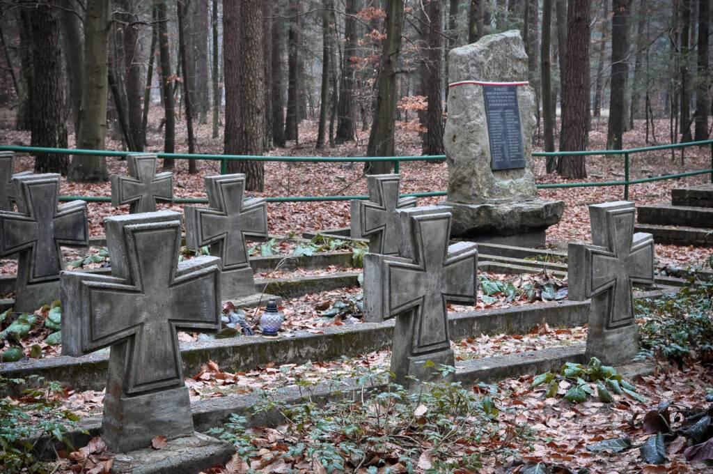 Cmentarz wojenny Zwierzyniec Roztocze