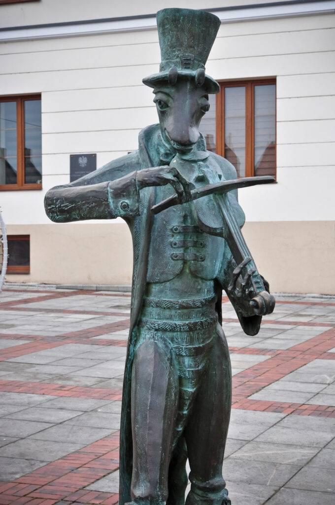 Pomnik Chrząszcza w Szczebrzeszynie