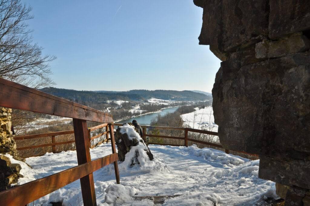 Dolina Sanu Zamek Sobień Podkarpackie