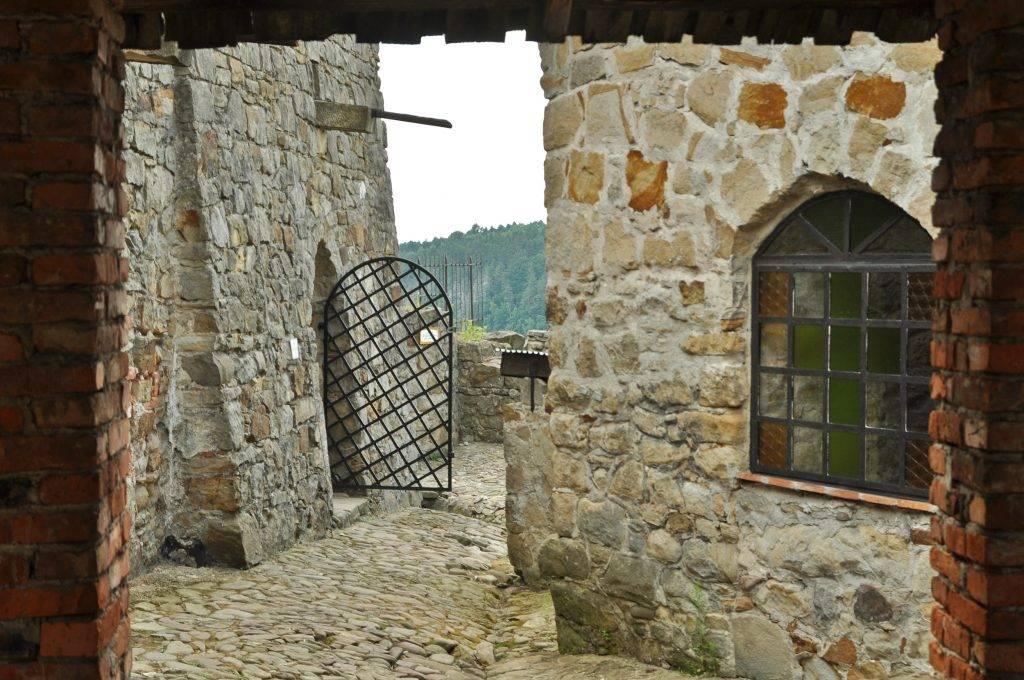 dziedziniec zamkowy