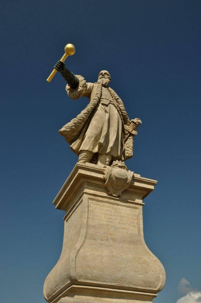 Pomnik Czarnieckiego w Tykocinie
